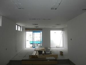 待合室 ガイナ塗装完了